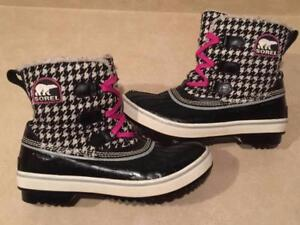 Women's Size 8 Sorel Waterproof Winter Boots