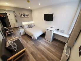 Rooms, on-suite, bills in, Salford, newly renovated, near Uni, city centre, transport Media city