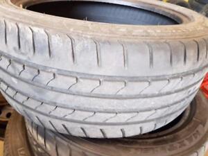 2 pneus d'été 225/45/17 Maxtrek Maximus M1. 60% d'usure, mesure 5-6/32.
