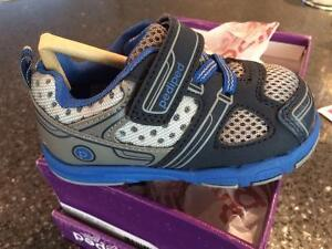 NEW - Pediped Grip'n'Go, Mars Sneakers - Size 22