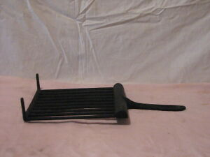 Vintage Cast Iron Cookware - Griddle with grease drain Peterborough Peterborough Area image 4