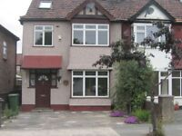 5 bedroom house in Avondale Avenue, Neasden, NW2