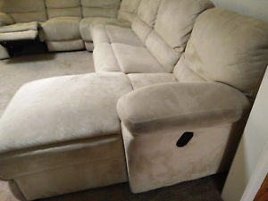 7 seater lounge, included 2 recliners 1 sofa bed, 1 yr old Coburg