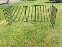 Metal gate for fireplace