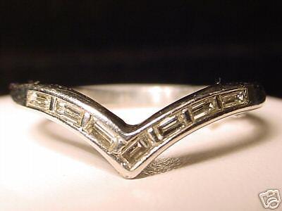 ESTATE PLATINUM & DIAMOND LADIES RING! .50 CTS. VS DIA.