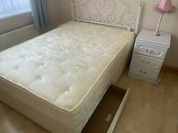 Double bed with mattress & storage draws (can deliver)