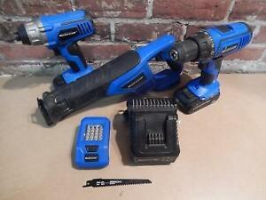 Ensemble Combo DRILL + IMPACT + SCIE + LAMPE + 2 BATTERIES + CHARGEUR MASTERCRAFT / Model 054-8151-4 (i019964)
