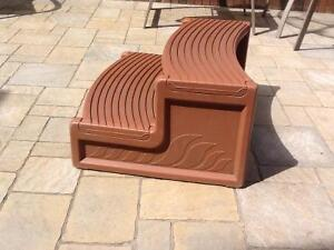 Rounded Hot Tub Steps