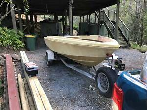 Project Boat Savage Electra on a Tinka boat Trailer Bonogin Gold Coast South Preview