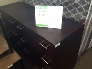 *** USED *** MAZIN FURNITURE 575GY 6PC BEDROOM   S/N:6131638   #STORE213