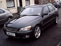 2001 X LEXUS IS 200 2.0 SE 6 SPEED GEARBOX ** ONLY 31000 MILES ** STUNNING CAR **