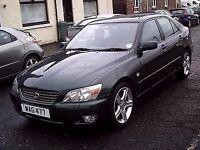 2001 X LEXUS IS 200 2.0 SE 6 SPEED GEARBOX ** ONLY 31000 MILES ** STUNNING CAR **