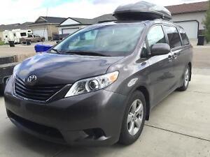 2011 Toyota Sienna Minivan, Van