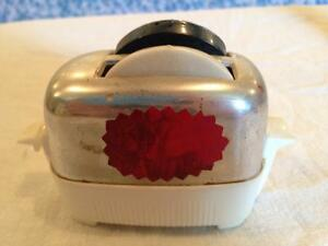 Toaster and toast salt & pepper shaker set