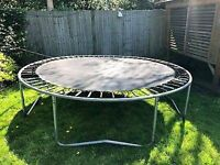 TRAMPOLINE TO COLLECT OR DELIVER