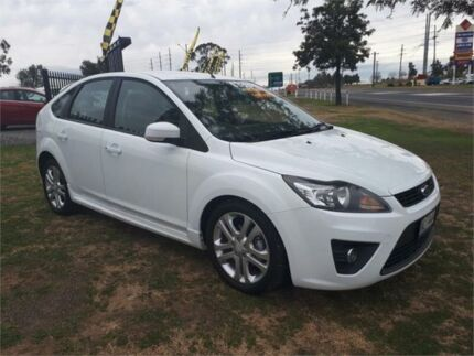 2010 Ford Focus LV Zetec White 4 Speed Sports Automatic Hatchback