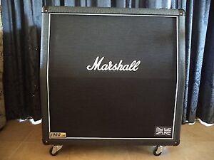 """100% Mint Marshall 300 Watt 4x12""""1960A Lead Slant Cab-Casters"""