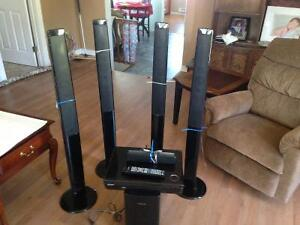 Surround sound speakers with woofer,DVD player, remote control