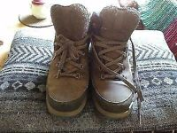 Quechua 'Walk 500' hiking boots, size 8.5