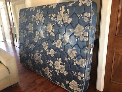 Free useddouble mattress