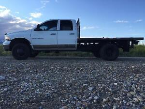 2005 Dodge Ram 3500 flatbed Truck