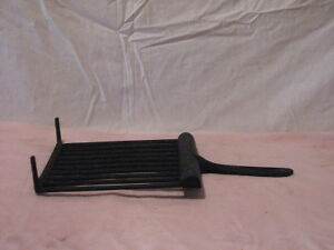Vintage Cast Iron Cookware - Griddle with grease drain Peterborough Peterborough Area image 3