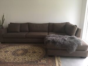 Couch,  chaise lounge Tullamarine Hume Area Preview