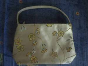Small Flower Purse/Handbag ***BRAND NEW*** Campbell North Canberra Preview