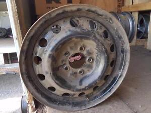 """4 roues universelles de 16"""" 5X114.3mm, largeur 6""""."""