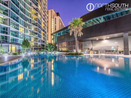 Well located, stylish apartment overlooking resort pool 7th floor