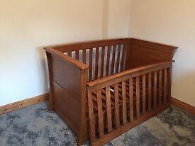 Mammas and papas cot/ cotbed and blanket box