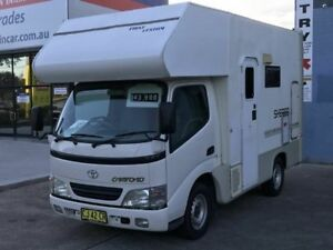 2002 200 series Toyota Camroad White Motor Camper 2WD