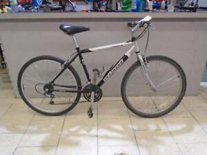"""Vélo de montagne Giant 18"""" - 0814-8"""