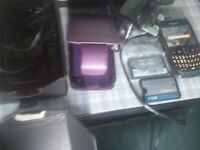 BLACKBERRY phone with 3 batteries, 2 chargers and box £10 (Sherwood NG5)