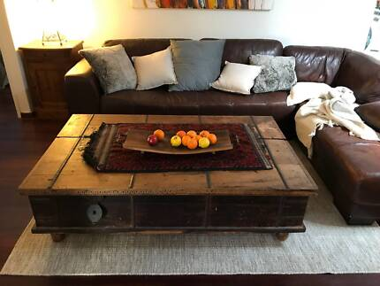 Large coffee table/blanket chest