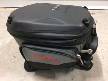 Triumph Tiger 800xc tank bag and harness