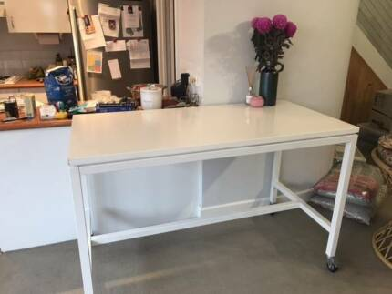 Freedom Desk/Meeting table