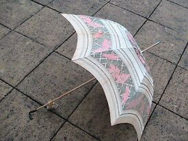 VINTAGE ANIMAL FORM HANDLE WOOD SHAFT LADIES SILK UMBRELLA PARASOL GERMAN MADE