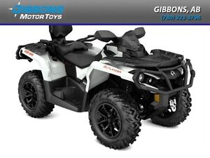 2017 Can-Am Outlander MAX XT 650 Pearl White and Black
