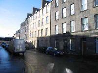 2 bedroom flat in Kirk Street, Leith Walk, Edinburgh, EH6 5EZ