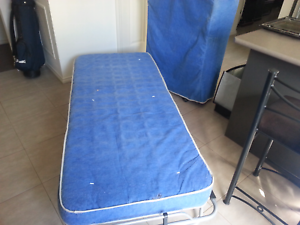 2 foldout out beds Brookfield Melton Area Preview