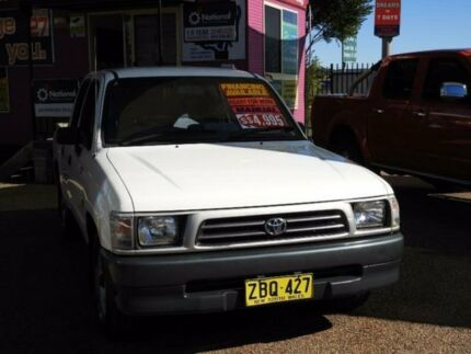 2000 Toyota Hilux RZN149R White 5 Speed Manual Utility