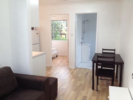 One bedroom stand alone modern Granny Flat, all bills incl