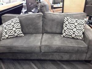 *** USED *** DYNASTY EMMA GREY SOFA/LOVE   S/N:51288605   #STORE595