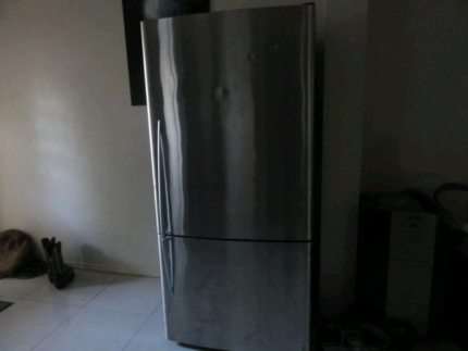 fisher and paykel ACTIVE SMART upside down fridge/freezer stainle
