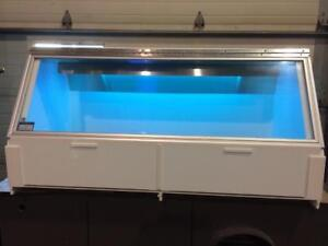 Enceinte à Ultraviolet CBS Scientific model P-048-202 pour laboratoire - CBS Scientific  UV lamp hood for laboratory