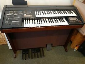 YAMAHA ELECTRIC ORGAN/PIANO
