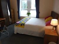 En suite- Gloucester Road North, Filton -Smart rooms to rent by the week, walking distance to Airbus