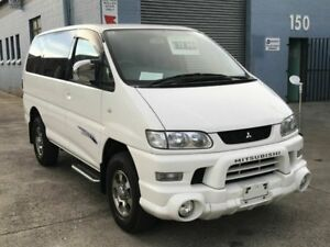 2005 Mitsubishi Delica SPACEGEAR Low Roof White 4 Speed Automatic Wagon