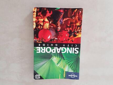 Discover Singapore travel book